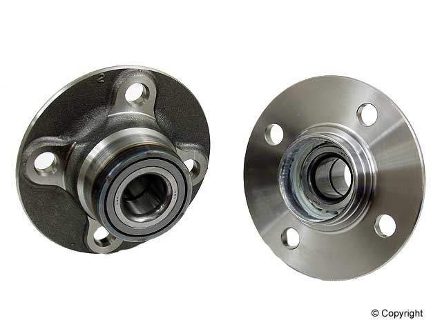 Nissan Axle Bearing and Hub Assy 7500067